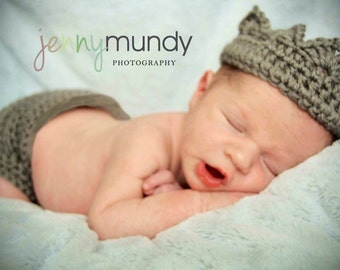 Newborn - Crochet - Gray - Baby -Handmade - Diaper Cover & Prince Or Princess Crochet Crown - Photo Prop - Baby Shower Gift - Boy - Girl
