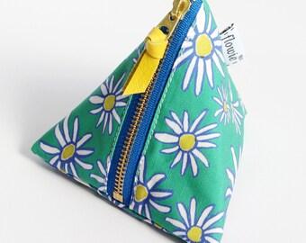 Triangle zipper pouch, Daisy