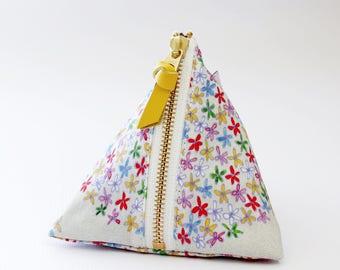 Triangle zipper pouch, Emma