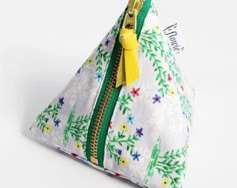 Triangle zipper pouch, Victoria