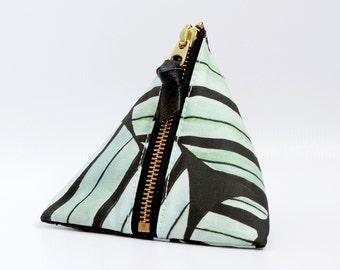 Triangle zipper pouch, Jamie