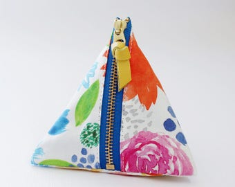 Triangle zipper pouch, Nicole