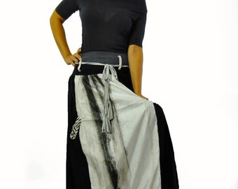 Black and white skirt/Casual maxi skirt with pockets/Extravagant long skirt/Winter black and white woman skirt/Elastic belt/Maxi skirt/S1272