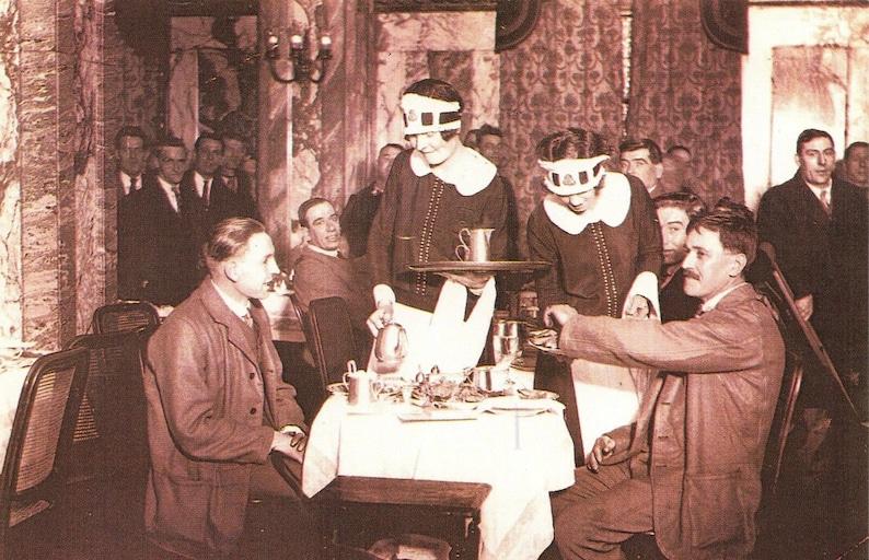 Nostalgia Postcard 1926 Lyons Tea Shop Coventry Street London Repro Card NS4