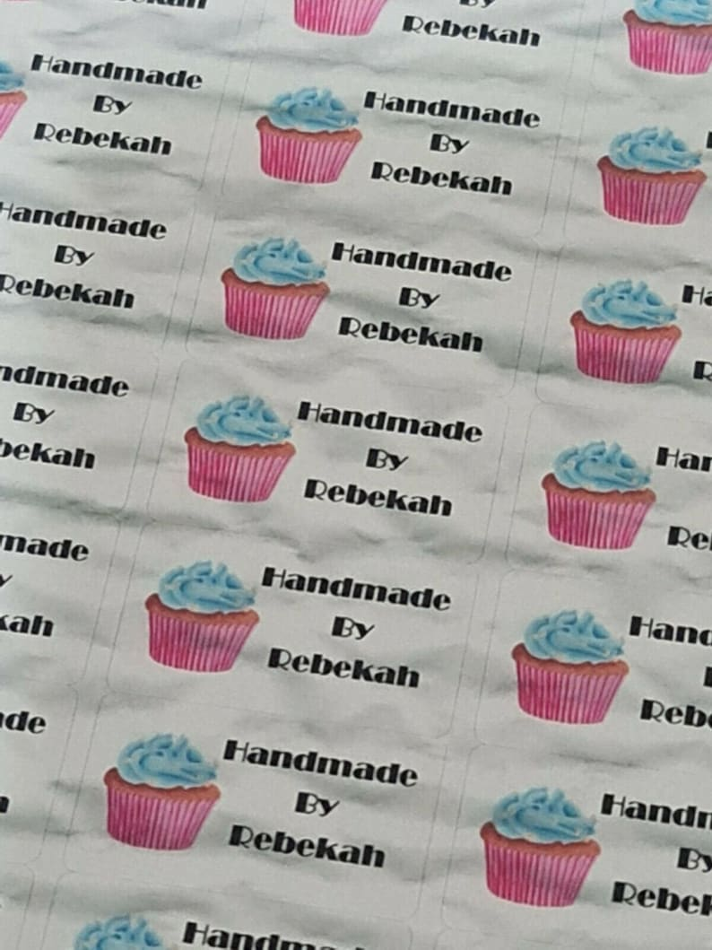 325 x Hand Made by Craft Labels Cupcake on Pale Yellow Matte Labels Stickers LQ3
