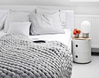Ohhio's Grande Punto Large blankets. Chunky blanket. (23-micron merino wool)