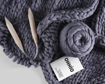 Mezzo Blanket DIY Kit (Medium). Medium Stitch Chunky Blanket — 40''x60''