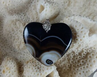 New 1.38 Polished Stone Ornament Bead Charm Black /& White Striped Onyx Agate Stone Heart Pendant 35x31x6mm FREE BONUS! Unique Purple