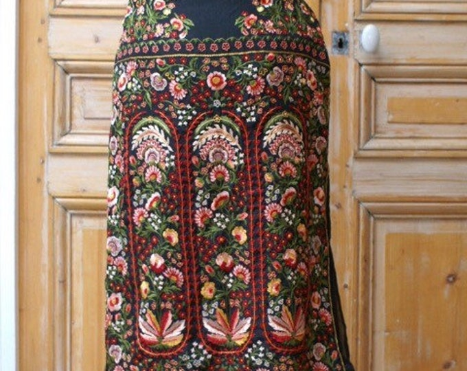 Embroidered skirt 1920