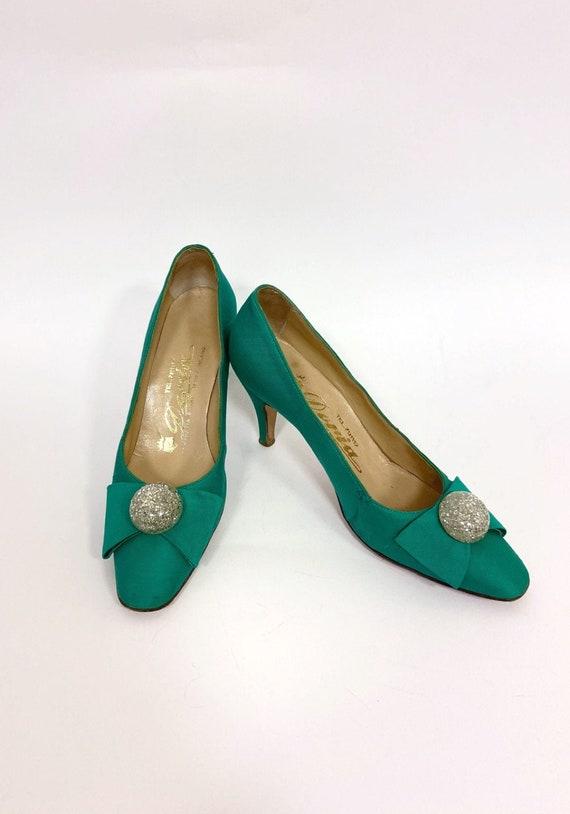 Vintage 1950s emerald green silk pumps stiletto he