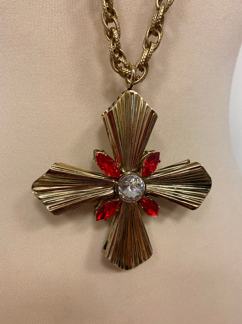 Vintage Necklace Pendant Faux Opal Rhinestone Gold Tone Metal Collectible Costume Jewelry PanchosPorch