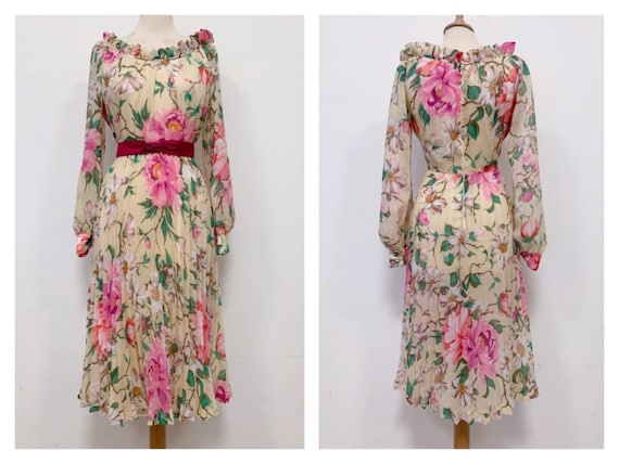 Vintage 1970s floral print chiffon pleated dress -