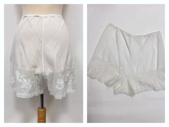 Vintage 1930s 1940s white cotton and floral embroi