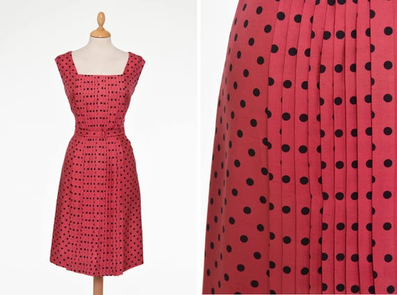 Vintage 1950s strawberry red polka dots print cock