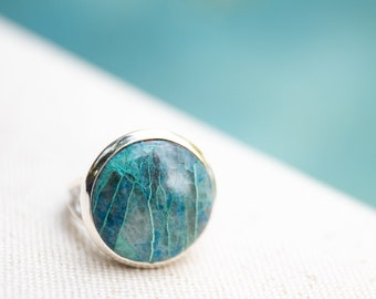 Gorgeous One of a Kind Round Shattuckite Ring set in Sterling Silver Unique Setting and Leaf Band - Size 8.5 US - Gemstone Jewelry - Ring