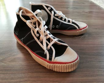 Vintage 70s Sneakers Czechoslovakia Tie Shoes Unworn Unisex Black Canvas Sizes 37  39 40  41 42