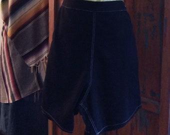 1950s ink black pin up shorts.