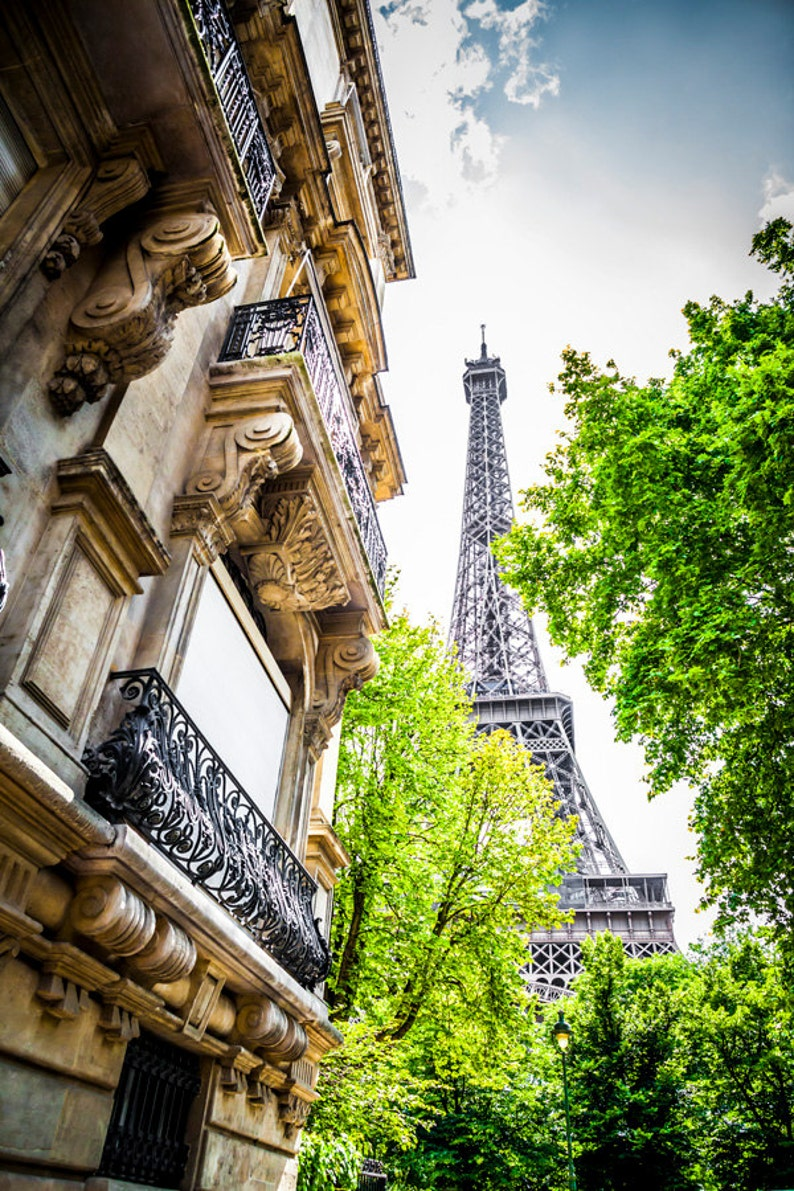 Eiffel Tower Neighborhood Apartments Paris Home Decor ...