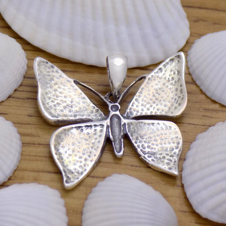 Amazing Solid 925 Sterling Silver Lovely Butterfly Pendant Beautiful Charming Gently Marvelous Incredible Stylish Design