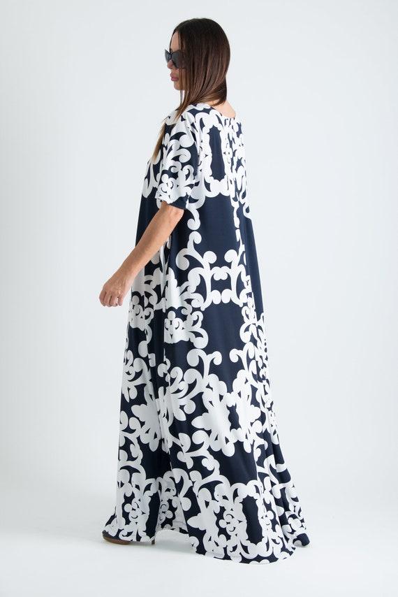 Long Summer dress/Long print dress/Blue Plus Size Maxi Dress/A line Long  Dress/Daywear Loose fit Dress/White Long Dress/ DR0667JE