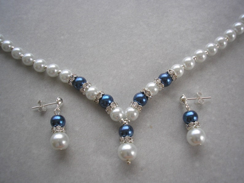 White and Navy Blue Pearl /& Diamante Jewelry Set of Necklace Bracelet and Earrings for women brides bridesmaids weddings bridal necklace