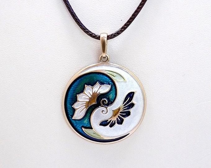 Enameled Necklace, Cloisonne Necklace, Cloisonne Medal, Folk Medal, Ying Yang, Cloisonne Jewelry, Enamel Jewelry