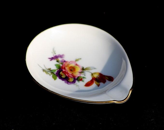 Furstenberg Ashtray with Gold Rim, Ashtray, Flower Ashtray, Furstenberg Porcelain, Gold Rim Porcelain, Flower Porcelain, One person Ashtray