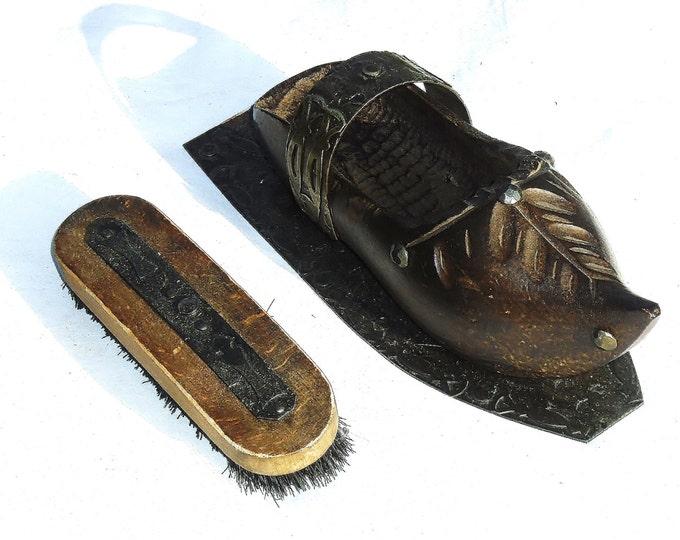 Shoe Brush, Wood Shoe Brush in Clog, Wall Hanging Shoe Brush, Boot Brush, Antique Shoe Brush, Hand Carved Clog, Shoe Brush in Clog