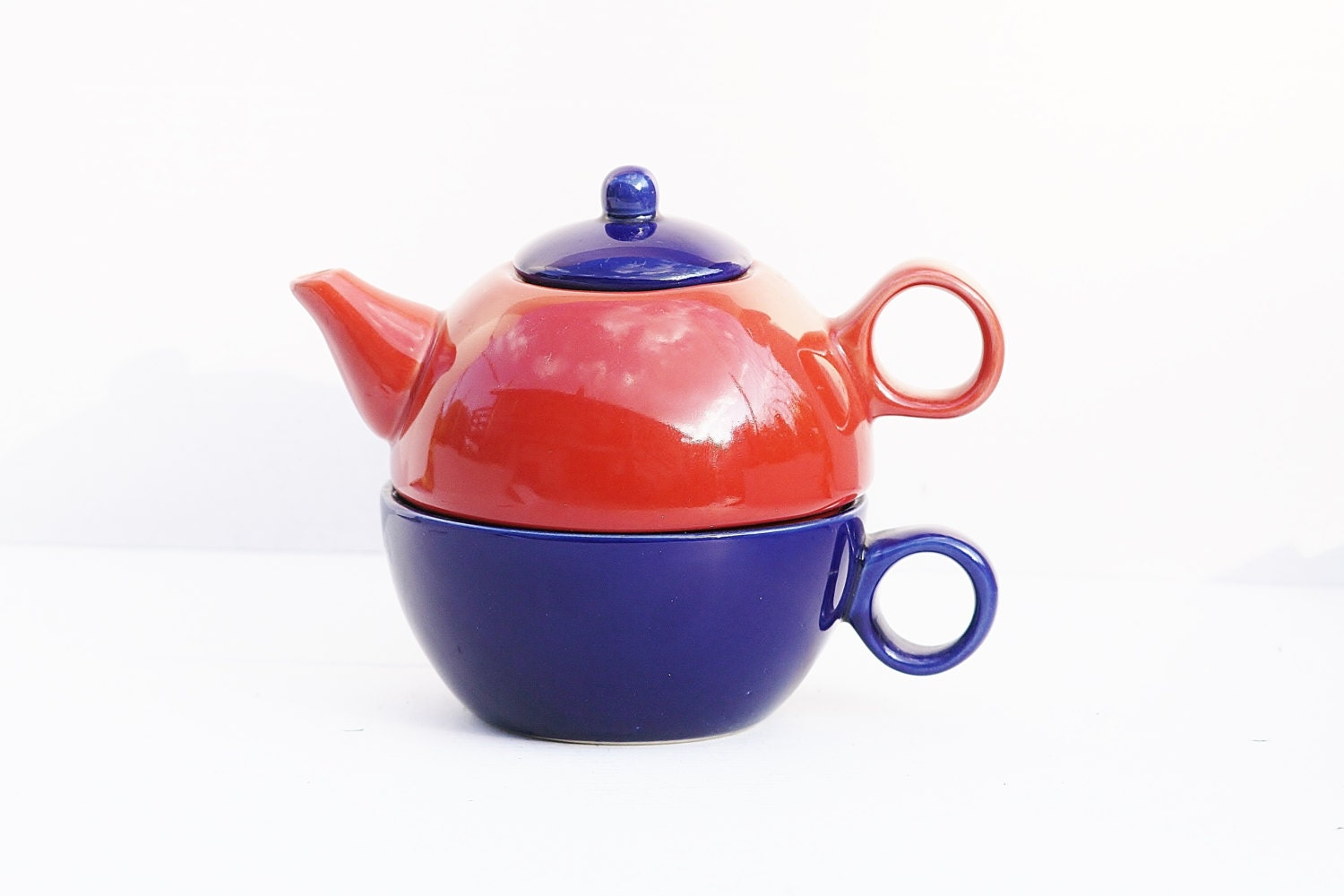 Teapot And Cup Set Colored Teapot And Cup Three Piece Teapot Set Red Teapot And Blue Cup Two In One Teapot And Cup Set