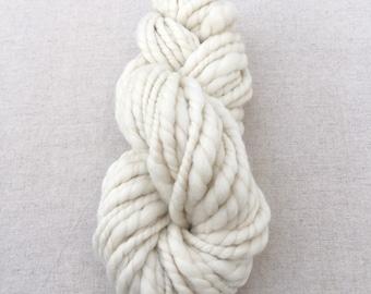 Jumbo Ply / Organic Merino Handspun Yarn / Thick Thin Slub / White / Very Soft / Natural Weaving Knitting Wool / 30g, 50g and 100g