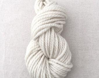 Super Bulky Ply / Corriedale Handspun Yarn / Gentle Slub / Ecru Bright White / Soft / Weave Knit Crochet