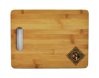 "Personalized Circle Monogram Designs - Bamboo Cutting Board - 11.5""x8.75"" - 9/16"" Thick -  Eco friendly - Renewable - 001"