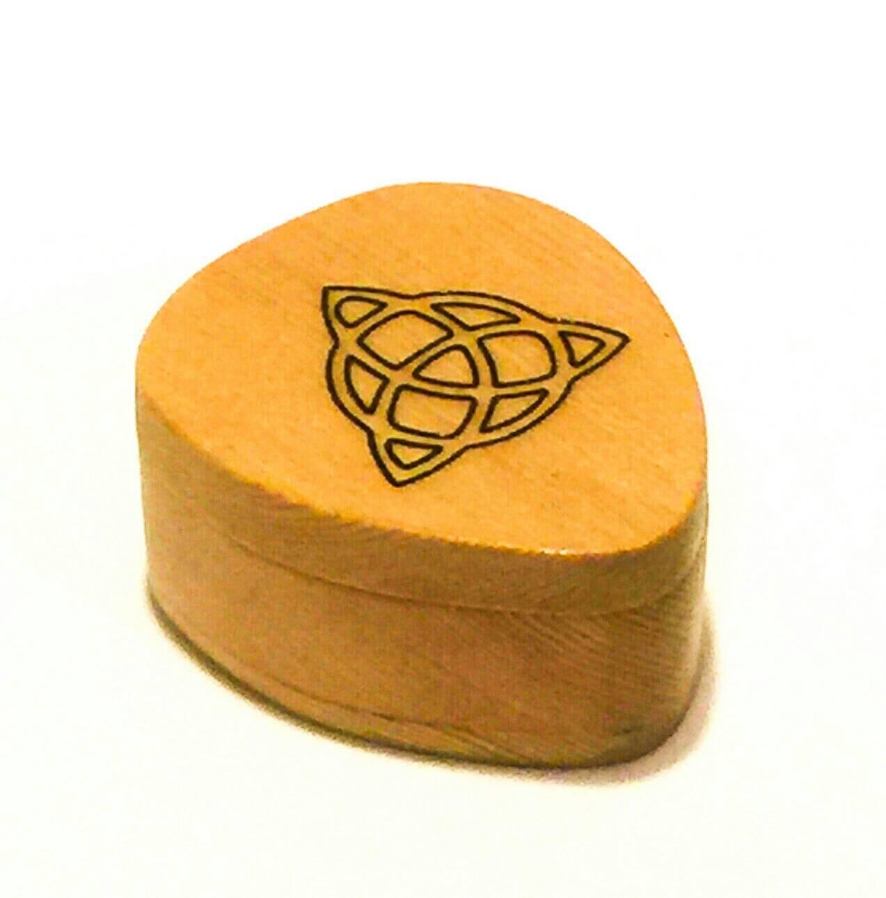 guitar pick box wooden guitar pick box pick holder pick etsy. Black Bedroom Furniture Sets. Home Design Ideas
