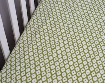 Olive Green Geometric Fitted Crib Sheet, Diamond fitted crib sheet, Olive Green Baby Bedding, Forest Inspired Nursery, Gender Neutral Sheet