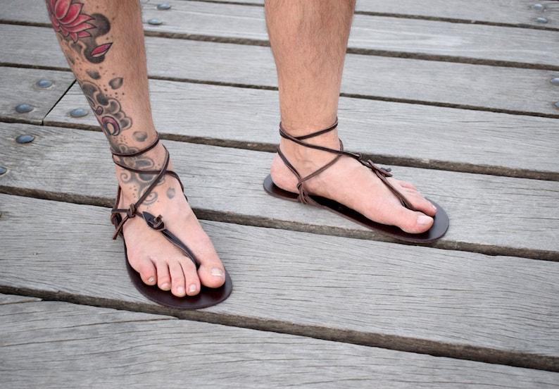 3cda723f4ef3a0 Sandalo a piedi nudi sandali uomo nuovi sandali Barefoot | Etsy