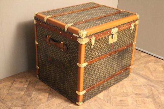 80e1581bfc0 1930 s Goyard Hat Trunk