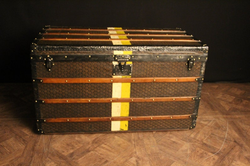 ce50117704b 1920s Large French Goyard Courrier Steamer Trunk
