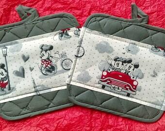 disney kitchen pot holders mickey minnie mouse 1928 vintage scenes of romance - Disney Kitchen