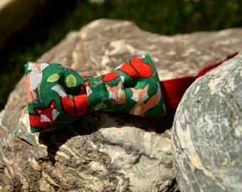 Mini Bow 9. Foxes. Pajarita para niño o bebé hecha a mano con tela de algodón de gran calidad.