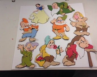 """Large sized Snow White and the Seven Dwarfs die cuts. 8 3/4-10"""""""