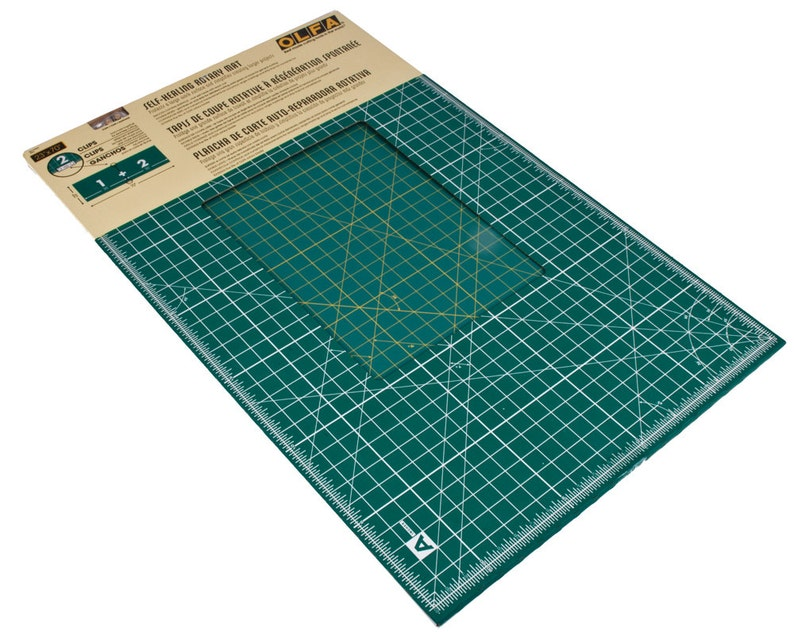 Olfa Quiltmaking Kit Rotary Cutter RTY-2//G /& Cutting Mat RTY-ST//QR Fabric Quilt