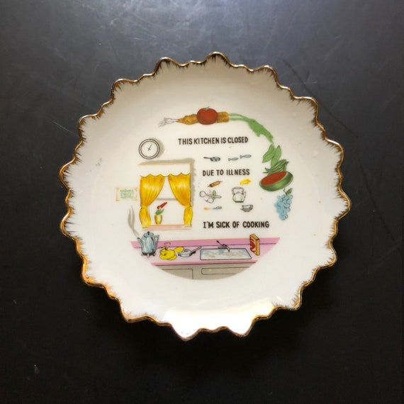 Funny Vintage Kitchen Decorative Wall Plate Cook Gift Kitchen Closed Mother Gift
