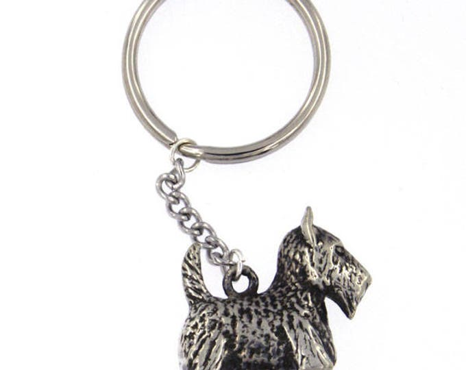 Dog keyring – this adorable and alert Scottish Terrier pewter keyring would be ideal for the canine lover.- Made and Design in UK