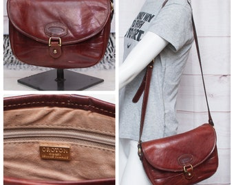 Vintage Oroton Sydney Genuine Cowhide Brown Adjustable Strap Crossbody Tote  Handbag Women s Gold Tone Snap Closure 2190d11f7a5b9