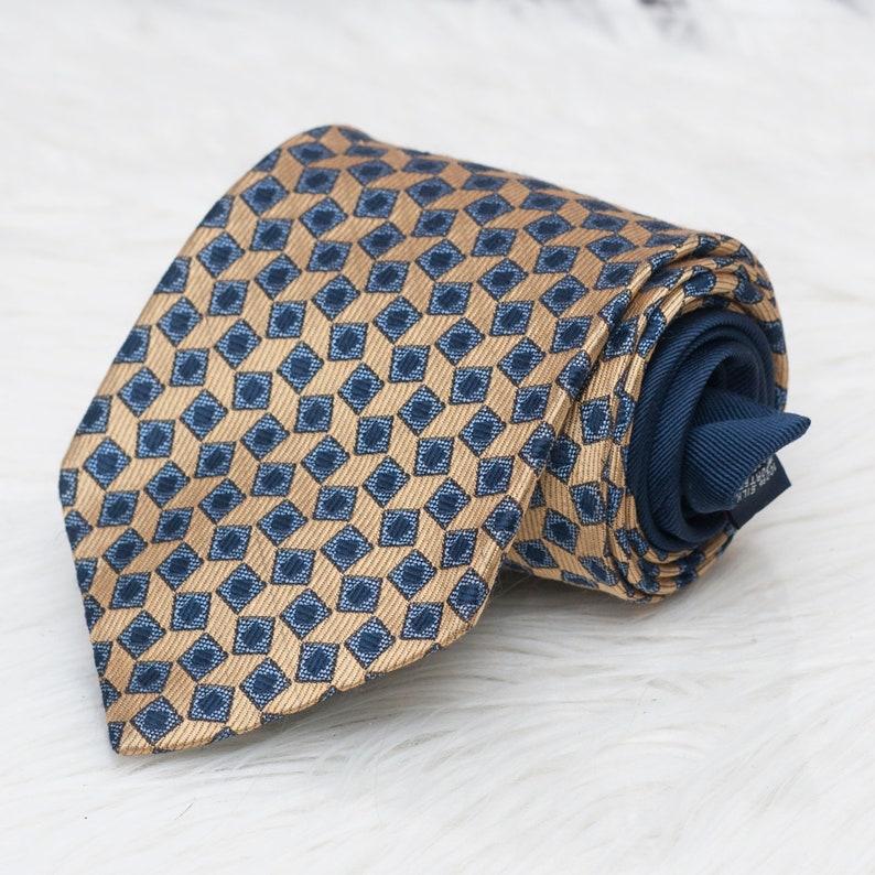 Vintage Tommy Hilfiger Gold /& Navy Geometric Print 1990s Lion Crest 58 Long 3.75 Wide Made In The USA 100/% Silk Necktie Neck Tie