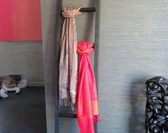 Houten Ladder Decoratie : Decoratieve houten ladder salmagundi living