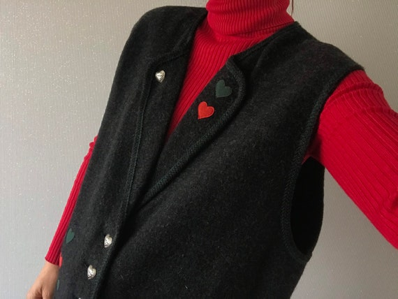Vintage anthracite Fleece Wool heart shaped button