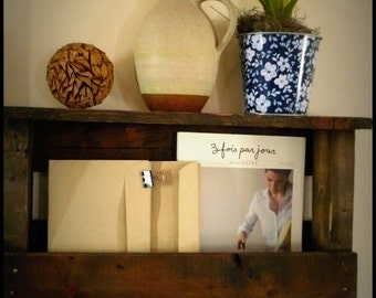 wall lettre stand
