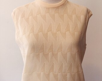 Knockout '60s Spring Sweater - Larger size