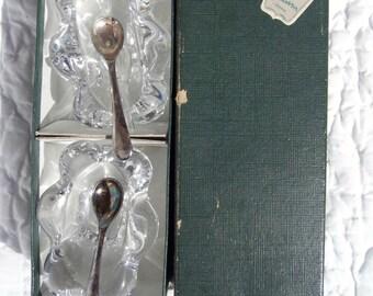 Salt Shaker. Pepper shaker. Daum crystal. Daum Crystal spoon. Two EPNS teaspoons. Made in England. Silver metal. Vintage.